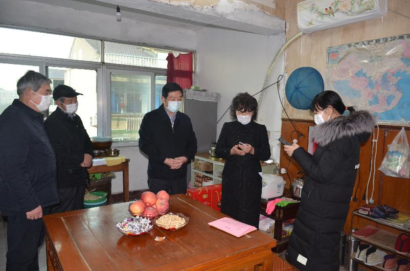 正昌集团领导走访慰问抗疫一线工作者