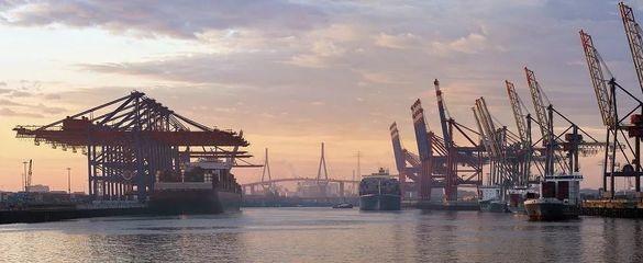 中国将继续坚定推进改革开放 维护多边贸易体制