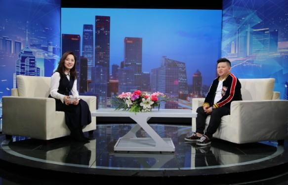 """""""凤城神仙谷温泉""""董事长王卓对话《信用中国》主持人张露馨"""
